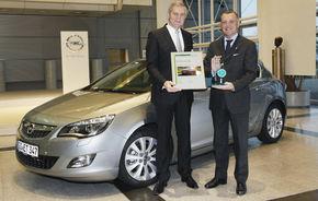 Opel Astra şi Insignia, premiate de Dekra pentru calitate în raportul pentru 2012