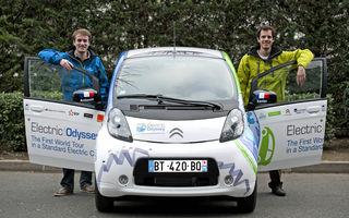 Doi ingineri vor face turul lumii în 200 de zile cu un Citroen C-Zero