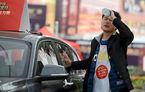 Un chinez a stat lipit de un BMW Seria 1 timp de 87 de ore pentru a câştiga custodia acesteia timp de 5 ani