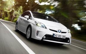 Toyota Prius este cel mai vândut model în Japonia pentru a 12-a lună consecutivă