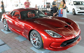 Dodge Viper - primul exemplar s-a vândut cu 300.000 de dolari