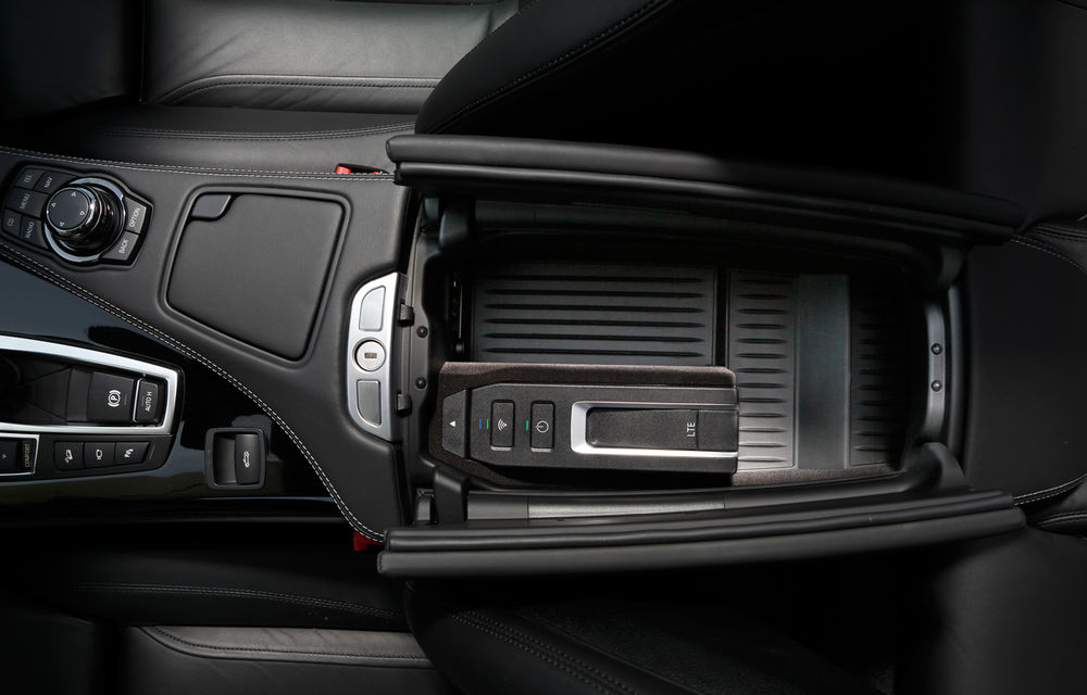 BMW inovează: internet 4G, navigaţia tactilă 3D şi dictarea SMS-urilor - Poza 5