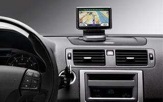 Bărbaţii folosesc mai des ca femeile sistemul de navigaţie din maşină