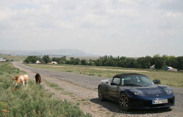 eRace: Două echipe se întrec pentru prima traversare a lumii cu o maşină electrică de serie - Poza 6