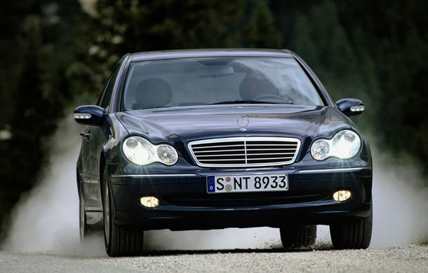 POVEŞTI AUTO: 105 ani de automobile Mercedes-Benz cu tracţiune integrală - Poza 18