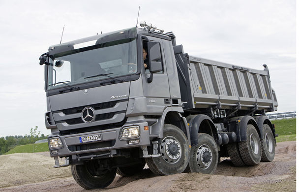 POVEŞTI AUTO: 105 ani de automobile Mercedes-Benz cu tracţiune integrală - Poza 27