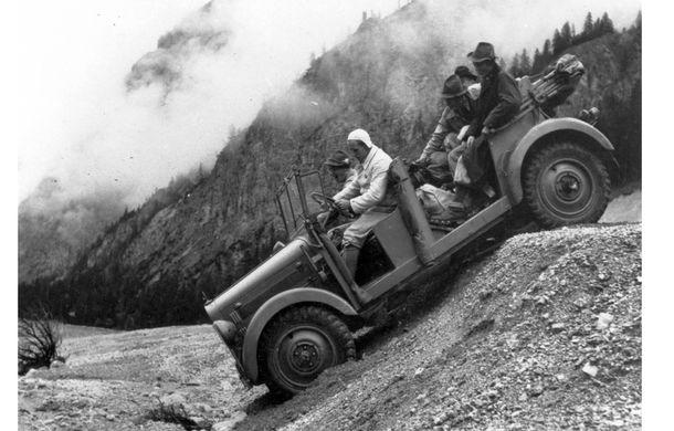 POVEŞTI AUTO: 105 ani de automobile Mercedes-Benz cu tracţiune integrală - Poza 11
