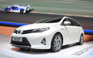 PARIS 2012 LIVE: Auris Hybrid domină standul Toyota