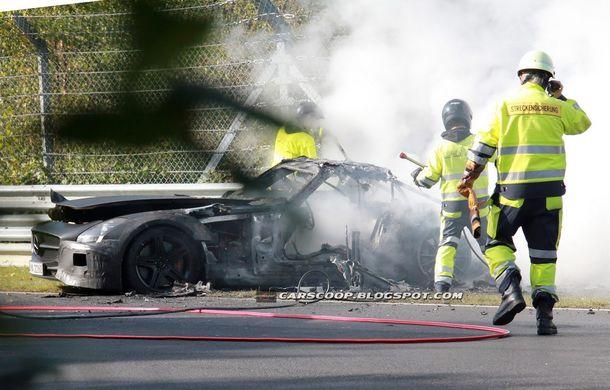 Un prototip Mercedes SLS AMG Black Series, incendiat pe Nurburgring - Poza 3