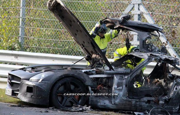 Un prototip Mercedes SLS AMG Black Series, incendiat pe Nurburgring - Poza 11