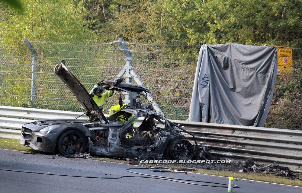 Un prototip Mercedes SLS AMG Black Series, incendiat pe Nurburgring - Poza 8