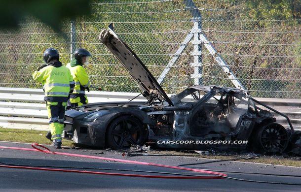 Un prototip Mercedes SLS AMG Black Series, incendiat pe Nurburgring - Poza 7