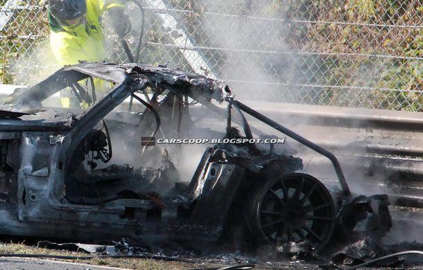 Un prototip Mercedes SLS AMG Black Series, incendiat pe Nurburgring - Poza 10