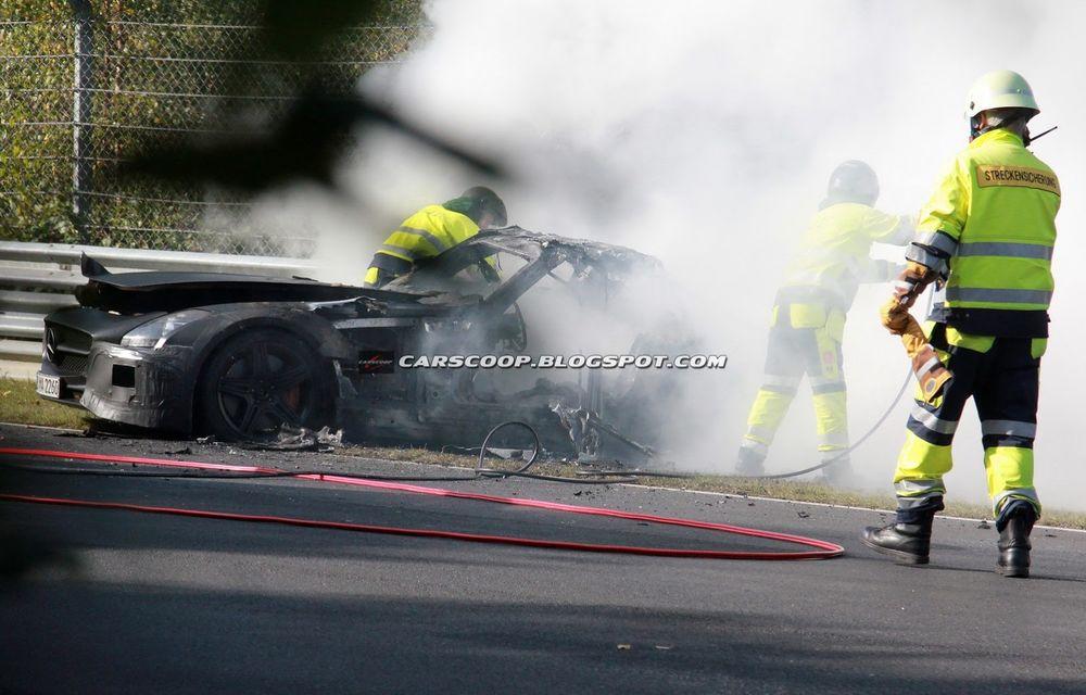 Un prototip Mercedes SLS AMG Black Series, incendiat pe Nurburgring - Poza 2