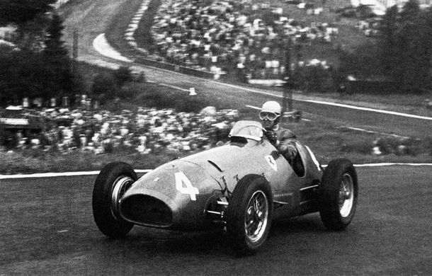 TOP 10: Cele mai lungi dominaţii ca lider în curse din istoria Formulei 1 - Poza 1