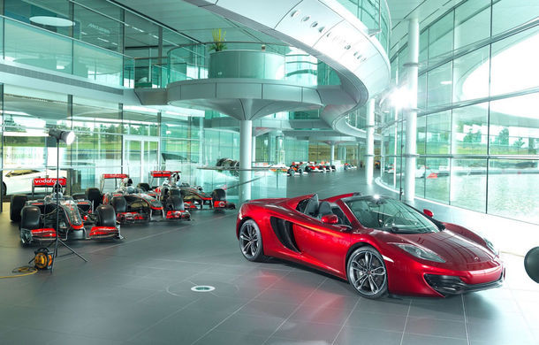Neiman Marcus: 12 McLaren MP4-12C Spider vândute în două ore - Poza 1