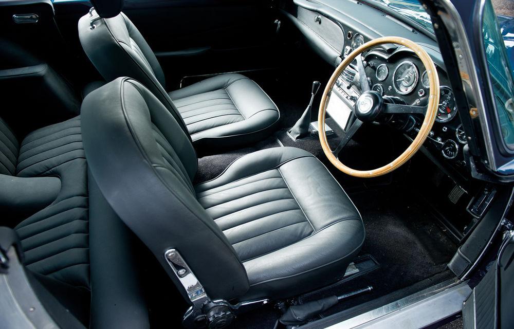 Aston Martin DB5 deținut de Paul McCartney vândut la licitație pentru 307.000 lire sterline - Poza 4