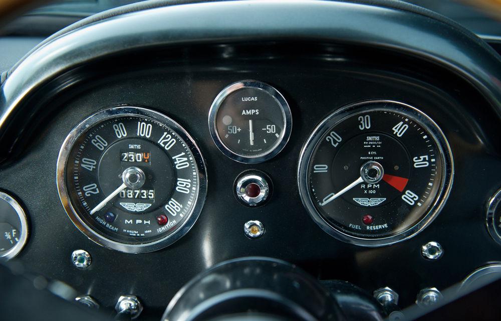 Aston Martin DB5 deținut de Paul McCartney vândut la licitație pentru 307.000 lire sterline - Poza 12