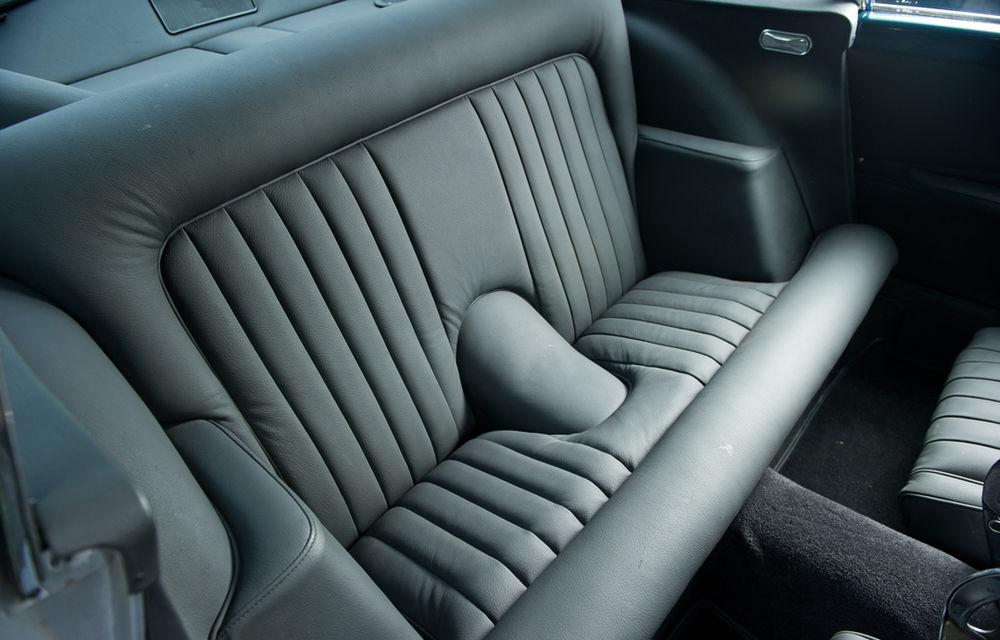 Aston Martin DB5 deținut de Paul McCartney vândut la licitație pentru 307.000 lire sterline - Poza 13
