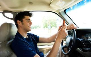 STUDIU: 50% dintre şoferii mai tineri de 30 de ani folosesc internetul la volan