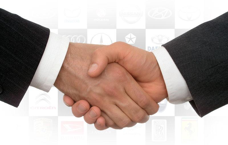 Cine cu cine colaborează în industria auto? Ghidul complet al parteneriatelor - Poza 1