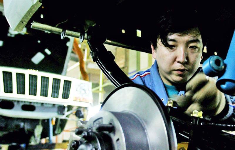 2013: Chinezii vor depăşi europenii la producţia de automobile - Poza 1