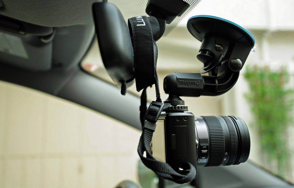 Moda camerelor video montate pe bord: din Rusia în România, în luptă cu traficul - Poza 1