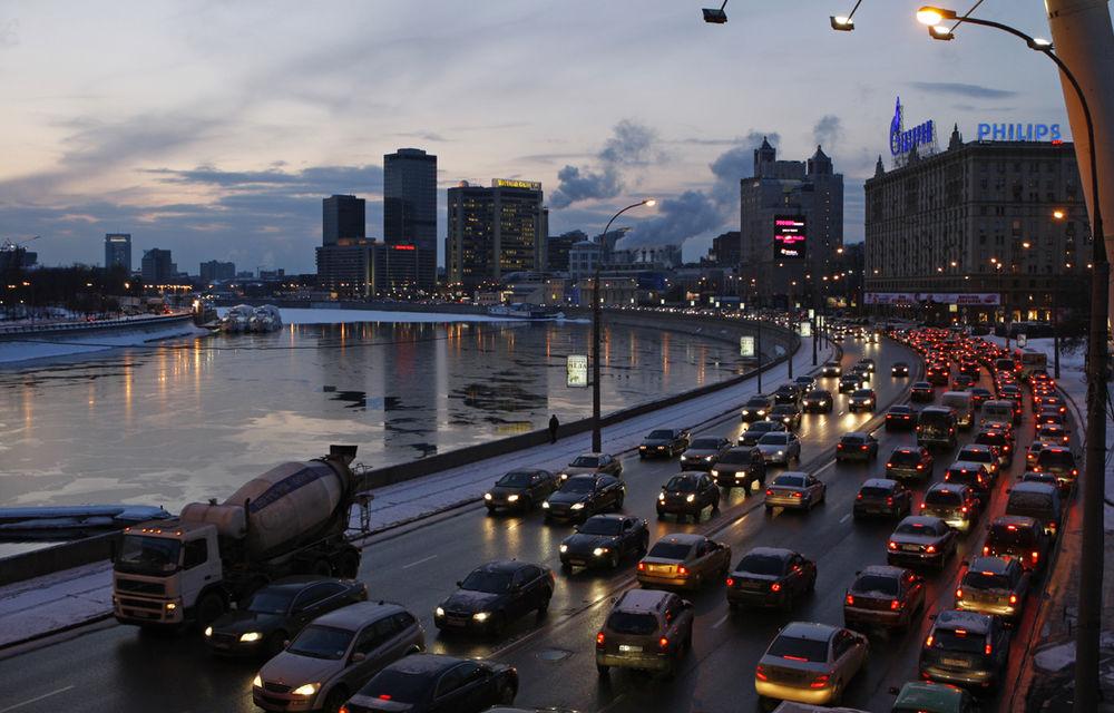 Moda camerelor video montate pe bord: din Rusia în România, în luptă cu traficul - Poza 2