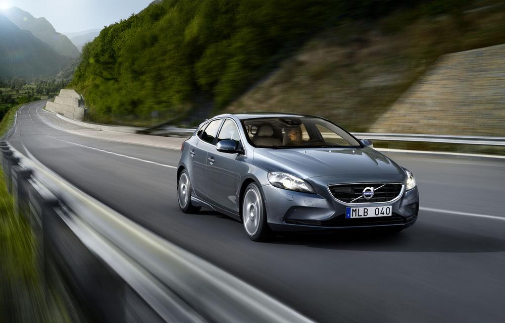 Volvo lansează noi variante ale modelul V40 - Poza 1