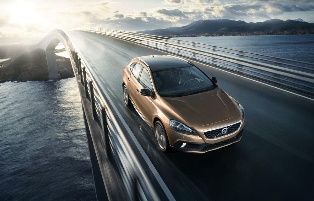 Volvo lansează noi variante ale modelul V40 - Poza 3