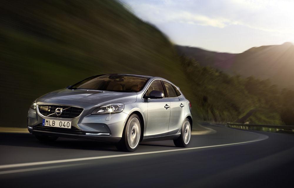 Volvo lansează noi variante ale modelul V40 - Poza 2