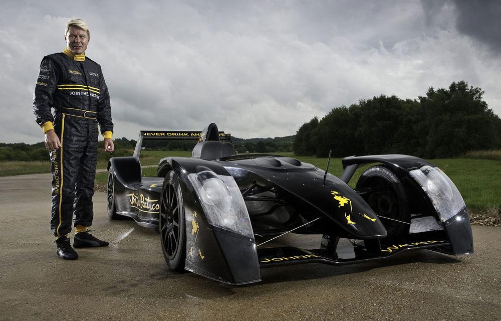 Mika Hakkinen va face miercuri o demonstraţie cu Caparo T1 în Bucureşti - Poza 1