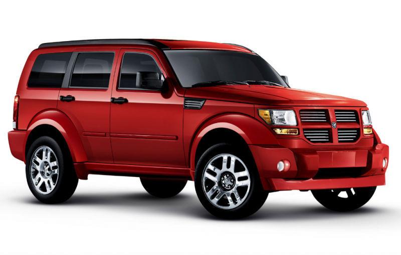 Chrysler recheamă în service 840.000 de maşini pentru defecţiuni la sisteme de siguranţă - Poza 1