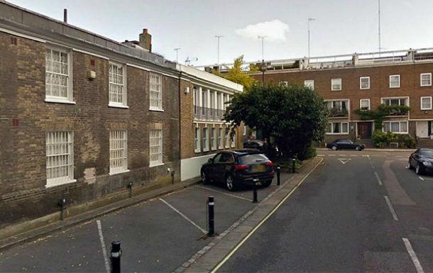Cel mai scump loc de parcare e de vânzare în Londra: 300.000 lire - Poza 1