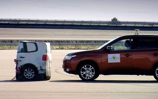EuroNCAP şi IIHS (SUA) au testat sistemele care evită accidentele cu ajutorul frânării automate. Unele modele de top au primit note slabe