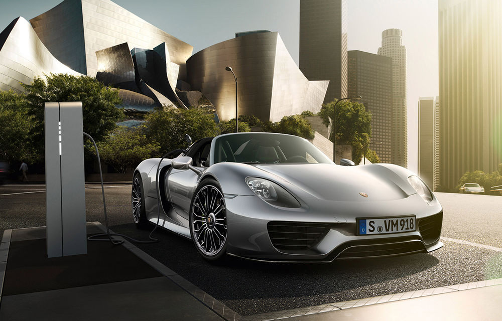 770.000 de euro pentru Porsche 918 Spyder? Nicio problemă: 10 clienţi din Europa Centrală şi de Est au comandat deja maşina - Poza 2