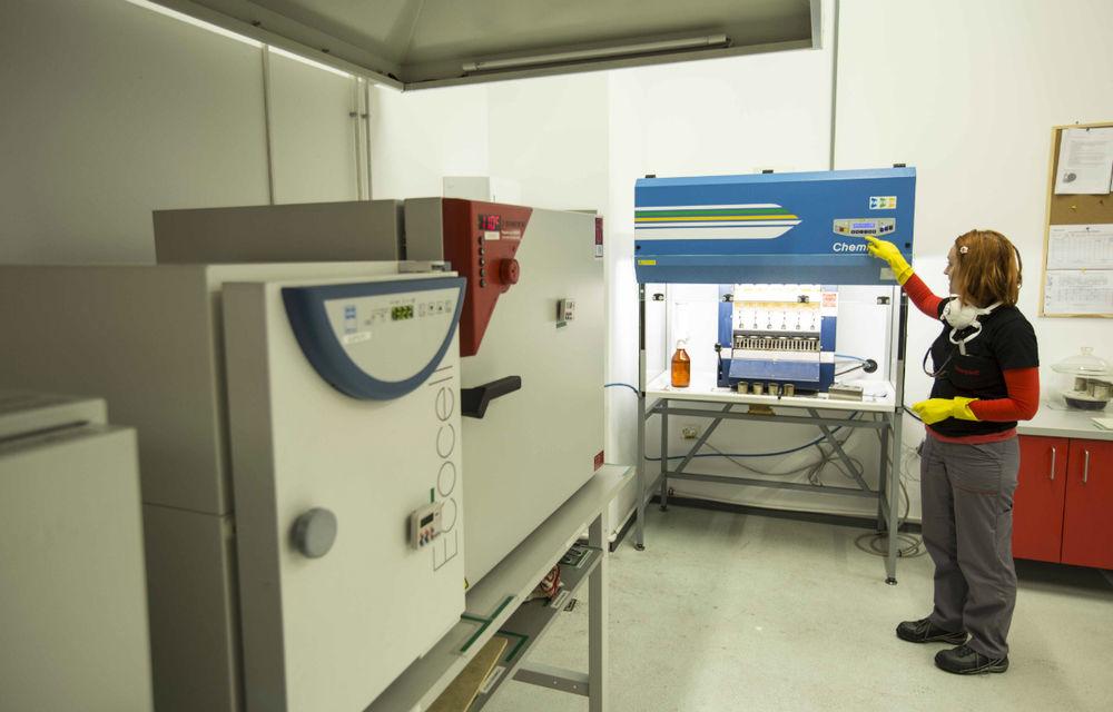 Honeywell fabrică la Ploieşti plăcuţe de frână pentru grupurile VW şi PSA - Poza 16