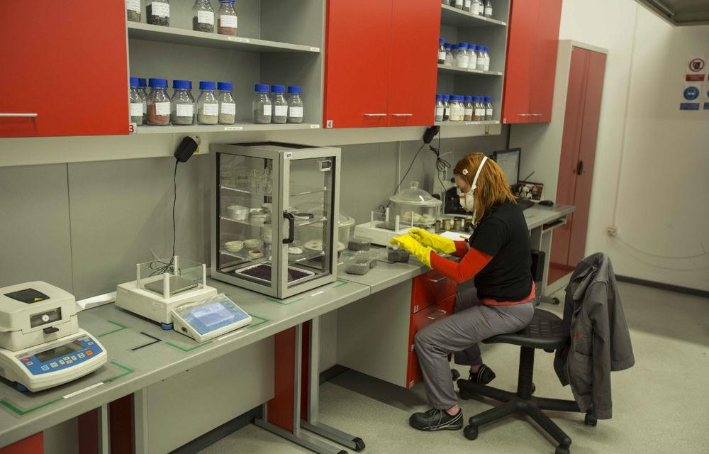 Honeywell fabrică la Ploieşti plăcuţe de frână pentru grupurile VW şi PSA - Poza 17