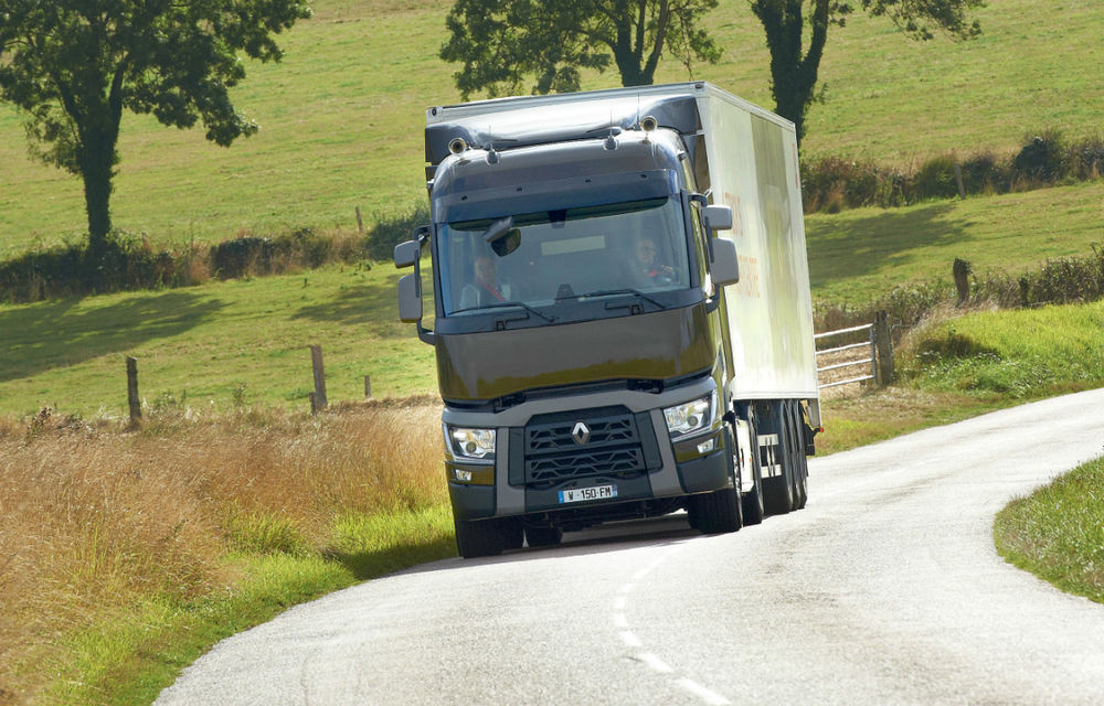 Renault Trucks a lansat noua sa gamă în România - Poza 1