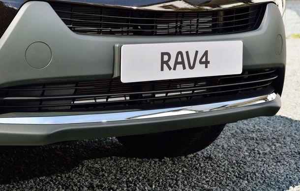 Toyota RAV4 primeşte o nouă versiune şi o echipare îmbunătăţită - Poza 12