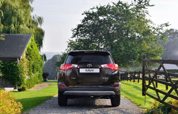 Toyota RAV4 primeşte o nouă versiune şi o echipare îmbunătăţită - Poza 4