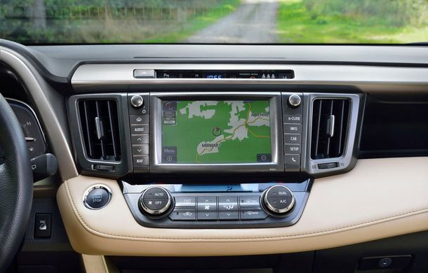 Toyota RAV4 primeşte o nouă versiune şi o echipare îmbunătăţită - Poza 42