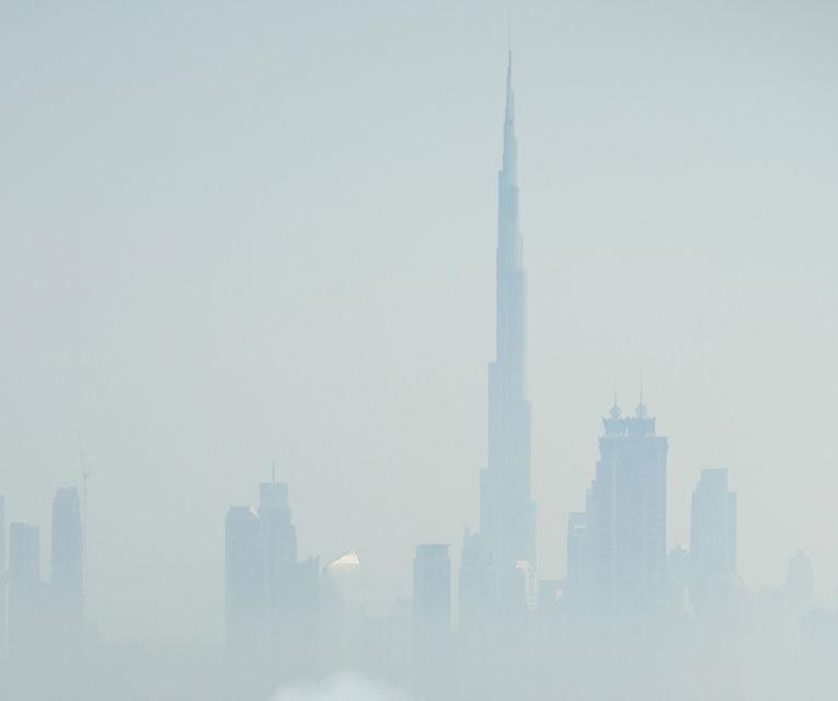 """Red Bull a sărbătorit titlurile cu """"cerculeţe"""" pe helipadul clăirii Burj Al Arab din Dubai - Poza 13"""