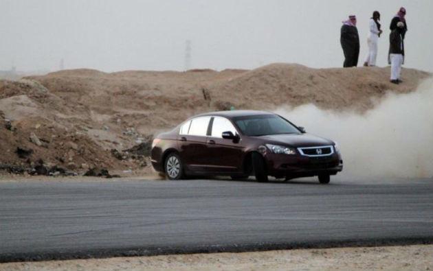 Arabia Saudită aplică măsuri draconice împotriva şoferilor care fac drifturi în trafic - Poza 1