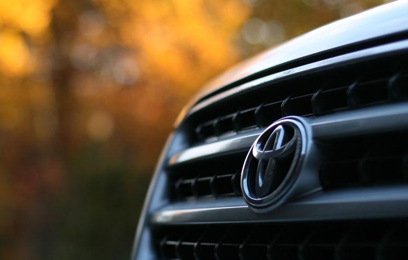 Vanzari auto în 2013 la nivel mondial: Toyota pe primul loc, VW Group depăşeşte în premieră GM - Poza 1