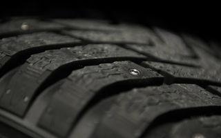 Nokian prezintă un nou concept de pneu de iarnă: ţinte retractabile, comandate de şofer