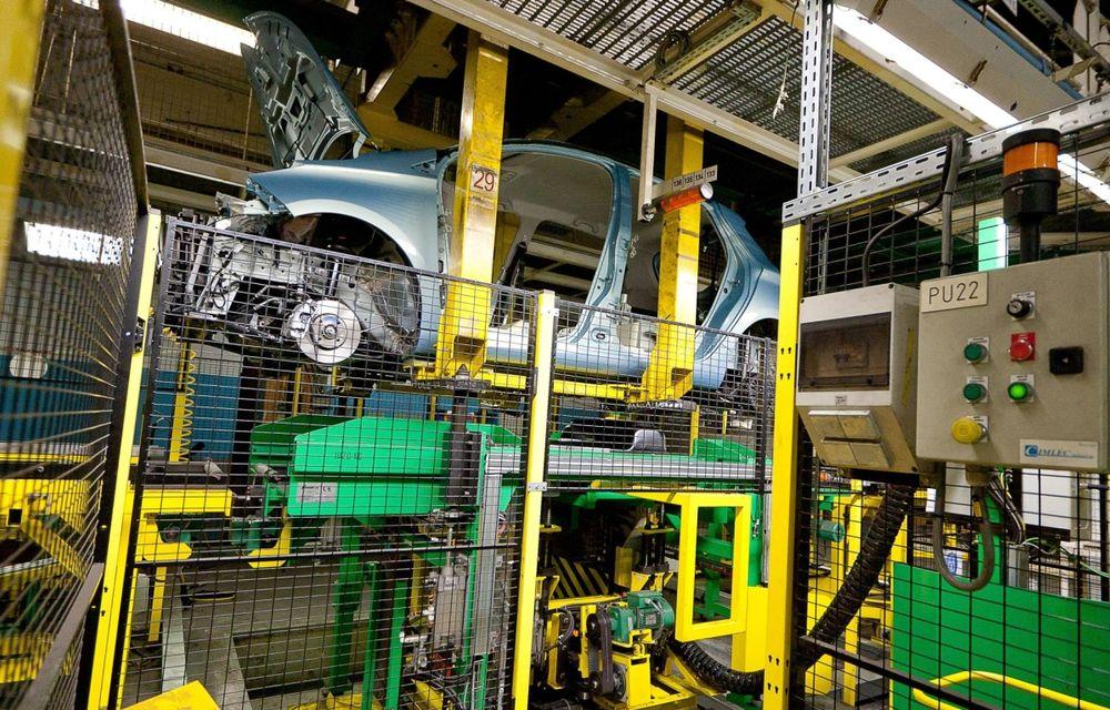 Renault va disponibiliza 7.500 de angajaţi în Franţa până în 2016, dar nu închide nicio fabrică - Poza 1