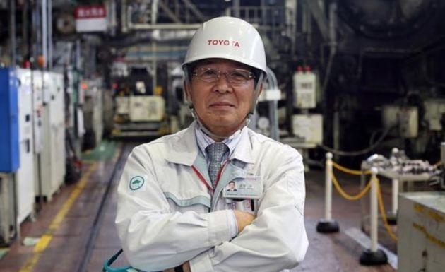 Toyota experimentează în cea mai veche uzină a sa: oamenii au înlocuit roboţii pe unele posturi - Poza 1