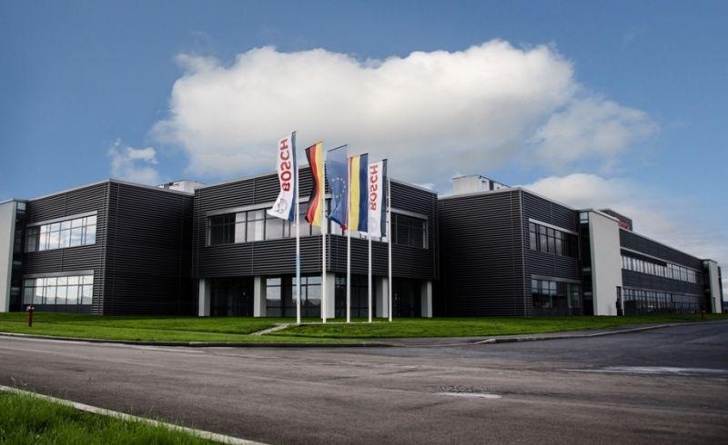 Bosch inaugurează în mai o fabrică de componente auto la Jucu - Poza 1