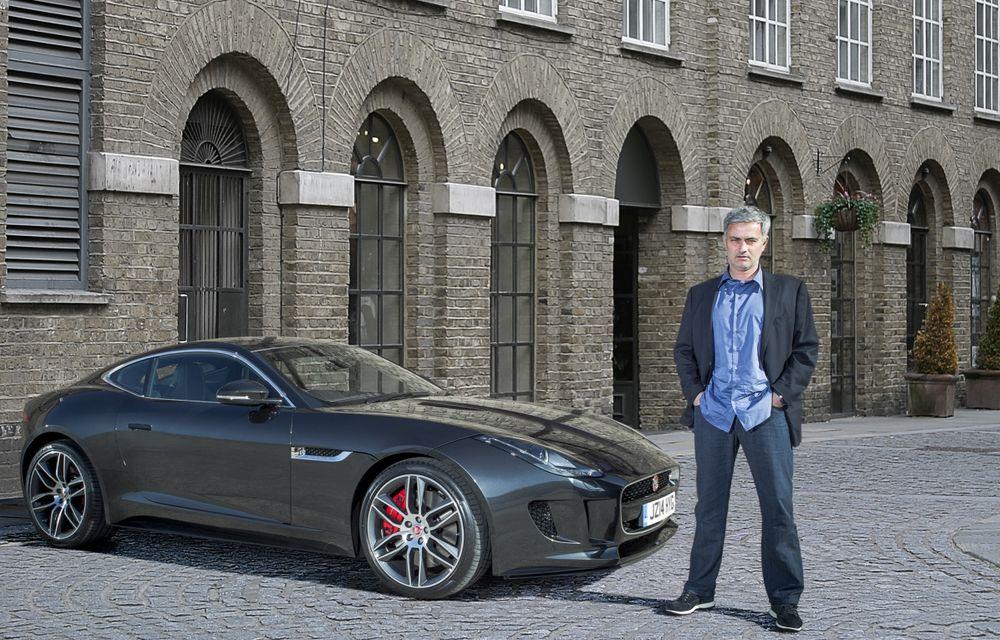 José Mourinho, ambasadorul Jaguar în Regatul Unit, a primit primul F-Type R Coupé - Poza 1